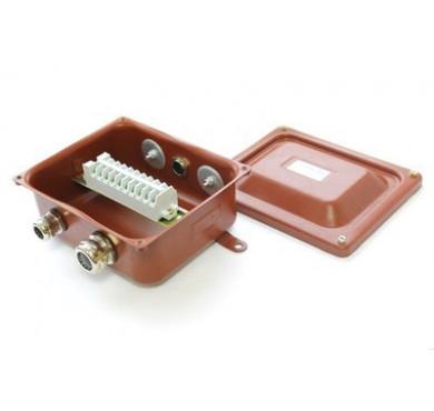 Коробка клеммная КЗНС-08 с латунными сальниками IP65 ЗЭТА